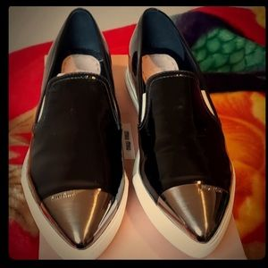 Metallic pointed toe flats